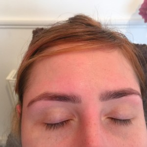 eyebrow thread and tint